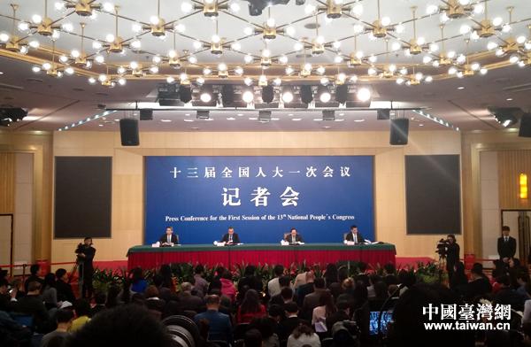 """十三屆全國人大一次會議新聞中心於3月8日上午10時舉行外交部就""""中國外交政策和對外關係""""答問記者會。"""