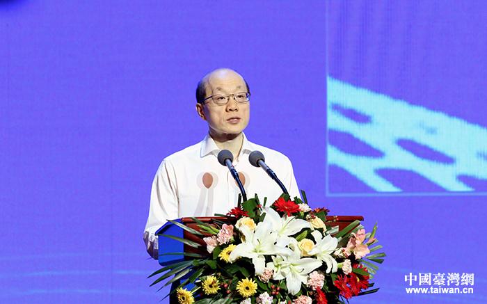 刘结一出席第25届鲁台经贸洽谈会